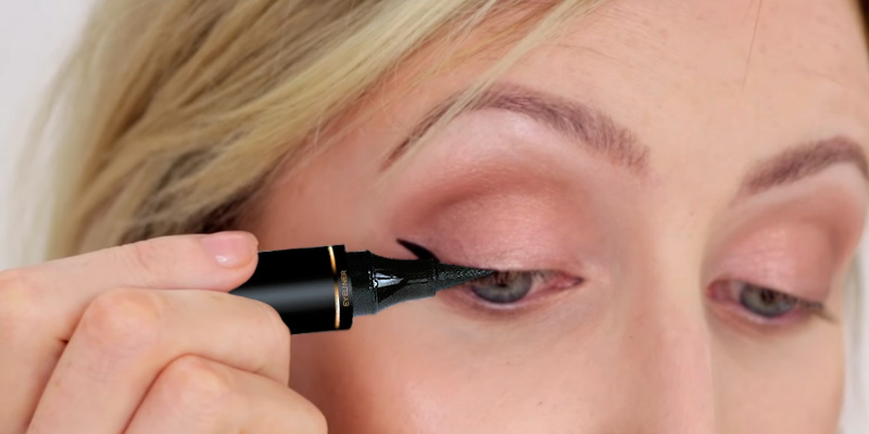 Review of LA PURE LEFT WING Original Eyeliner Stamp