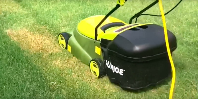 Sun Joe MJ401E Electric Lawn Mower in the use