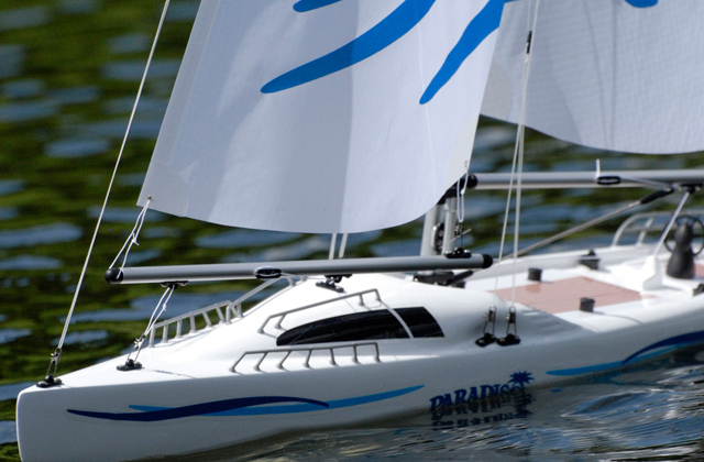 Best RC Sailboats: Dive Into the World of Sailboat Racing