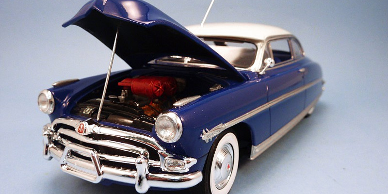 Detailed review of Moebius 1953 Hudson Hornet MOE1200