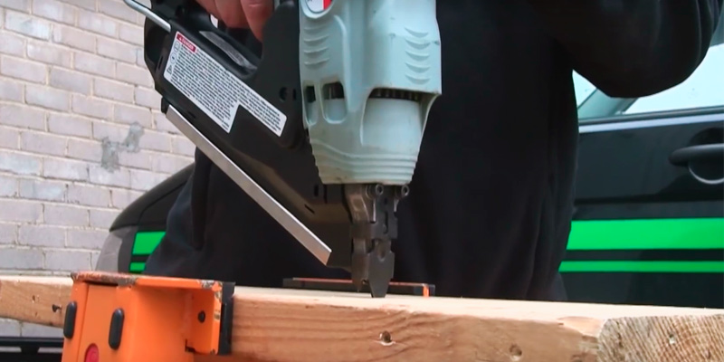 Hitachi NR90GC2 Clipped Head Cordless Framing Nailer in the use