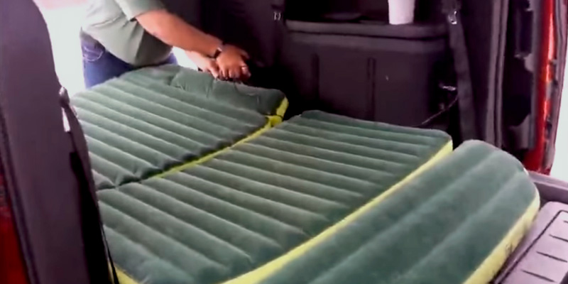 Wolfwill Universal SUV Travel Air Mattress in the use