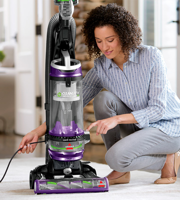 Review of Bissell Cleanview Swivel Rewind Pet (22543) Upright Vacuum