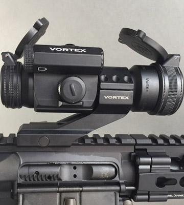 Review of Vortex StrikeFire 2 (SF-RG-501) Cantilever Mount Red/Green Dot Scope with Vortex Optics Hat