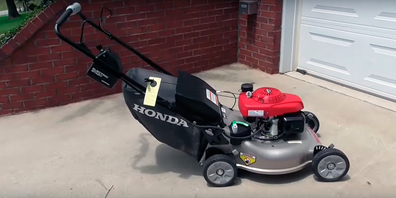 Review of Honda Self Propelled HRR216VLA Lawn Mower