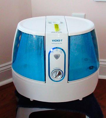 Review of Vicks UV 99.999% Germ Free Humidifier