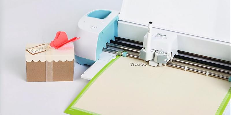Review of Cricut 2002771 Explore Air Wireless Cutting Machine