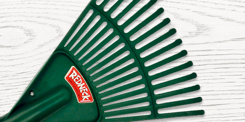 Review of Redneck Backscratcher Backscratcher FEATURES 15 TINES, which is like having 15 BACK