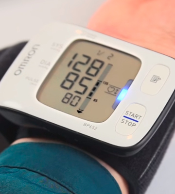 Review of Omron BP652N 7 Series Wrist Blood Pressure Monitor with Heart