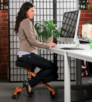 Review of Flash Furniture Wooden Ergonomic Kneeling Chair