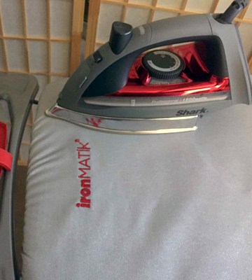 Review of Shark Steam Iron Red