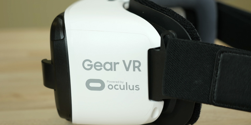 Detailed review of Samsung Gear VR - Virtual Reality Headset