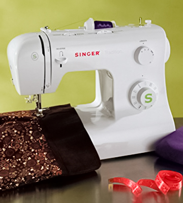 Review of SINGER 2277 Tradition Sewing Machine with 23 Built-In Stitches
