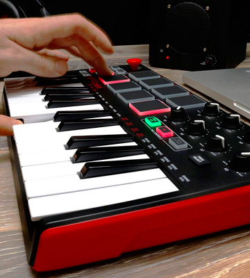 Review of Akai Professional Portable MIDI Keyboard