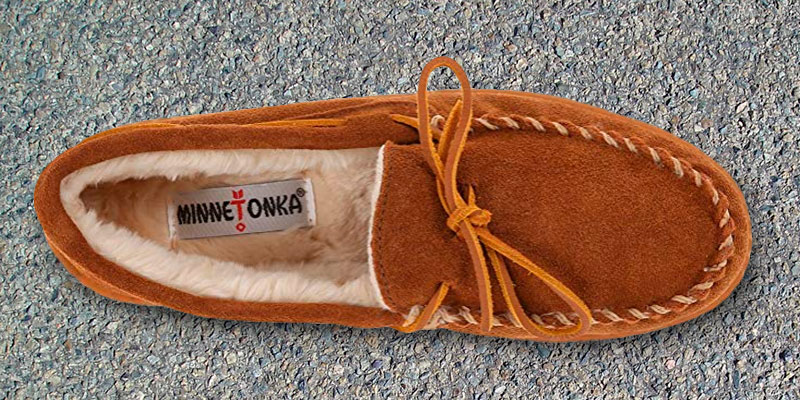 Review of Minnetonka PILE LINED HARDSOLE Men's Slipper