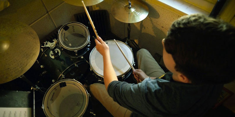 Detailed review of Learn and master DVD Drum course