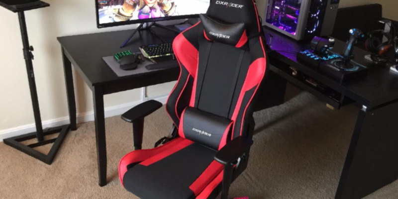 DX Racer OH/RW106/NR Newedge Edition Racing Gaming Chair (with Pillows) in the use