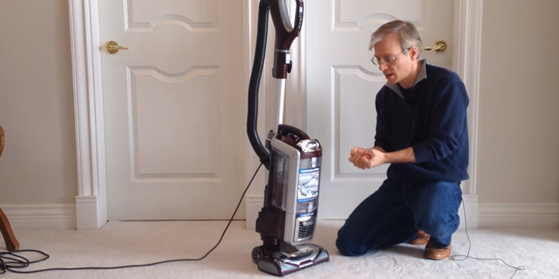 Shark NV752 Rotator Powered Lift-Away TruePet Upright Vacuum in the use