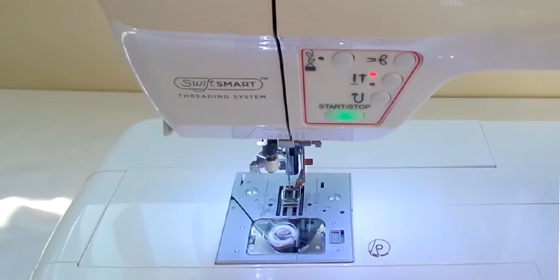 SINGER Futura XL-580 Embroidery and Sewing Machine in the use