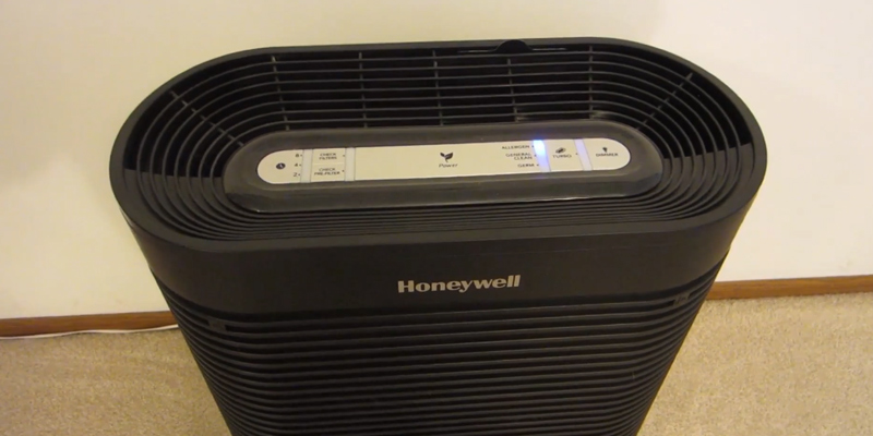 Honeywell HPA300 True HEPA Allergen Remover in the use