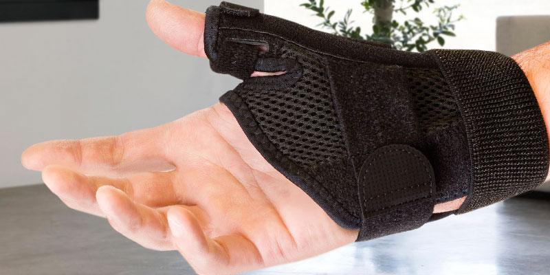 Review of Mueller Wrist Brace Reversible Thumb Stabilizer