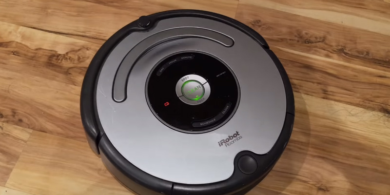 iRobot Roomba 665 Vacuum Cleaning Robot in the use