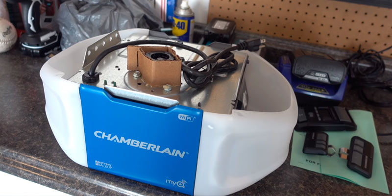 Review of Chamberlain B550 Belt Drive Garage Door Opener