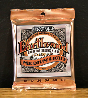 Review of Ernie Ball Earthwood Medium Light Acoustic String