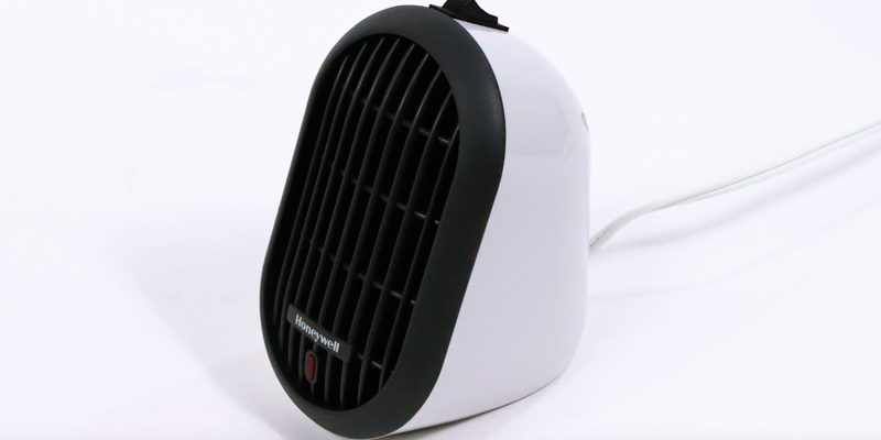 Honeywell HCE100W Heat Bud Ceramic Heater, White in the use