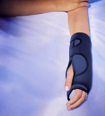 Review of Futuro Night Wrist Sleep Support