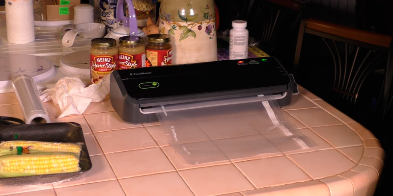 Review of FoodSaver FM2000-FFP Vacuum Sealing System