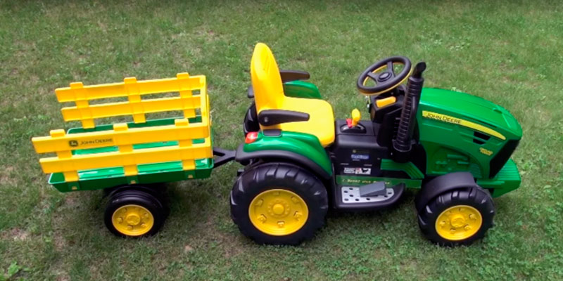 Peg Perego John Deere Ground Force Tractor in the use