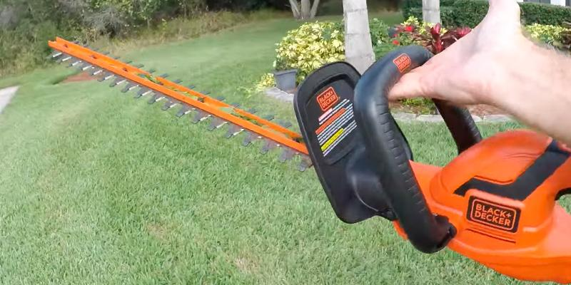 "Detailed review of BLACK + DECKER LHT2436 Cordless 24"" 40V Hedge Trimmer"