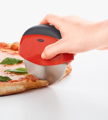 Review of OXO 1270980 Good Grips Pizza Wheel and Cutter