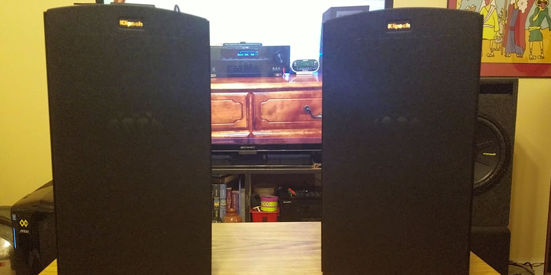 Review of Klipsch R-15M Bookshelf Speaker