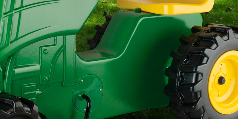 Detailed review of TOMY John Deere Plastic Pedal Tractor Green