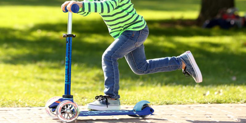 Review of Micro Kickboard Mini Deluxe 3-Wheeled Micro Scooter for Kids