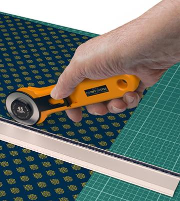 Review of Calibre Art Self Healing Rotary Cutting Mat