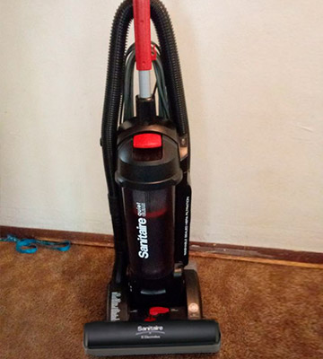 Review of Sanitaire SC5745A Commercial Upright Bagless Vacuum Cleaner