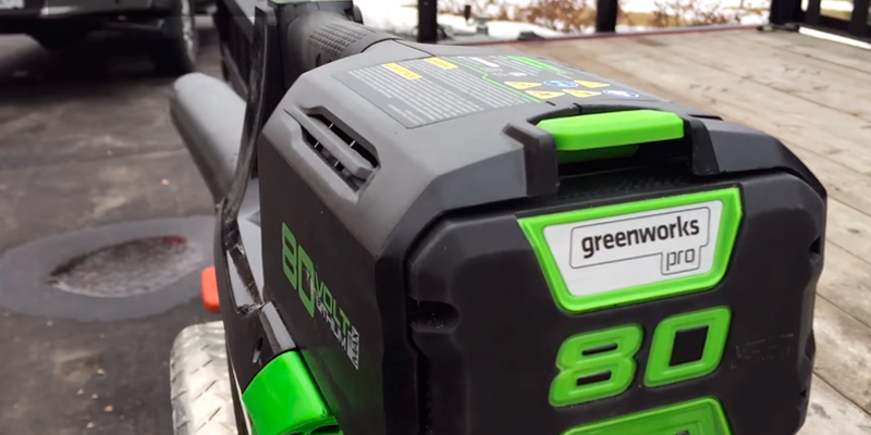 GreenWorks GBL80300 PRO 80V 125 MPH - 500 CFM Cordless Blower, 2.0 AH Battery Included in the use