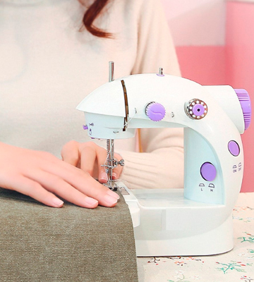 Review of Amado Portable Sewing Double Speed Mini Sewing Machine
