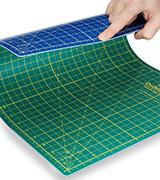 Quilting Bee 2-in-1 Self-Healing Cutting Mat
