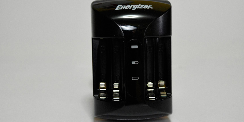 Energizer Pro Charger for AA and AAA in the use