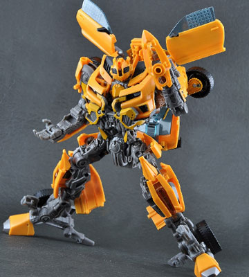 Review of Bumblebee Dark of the Moon Movie Leader Class Transformer