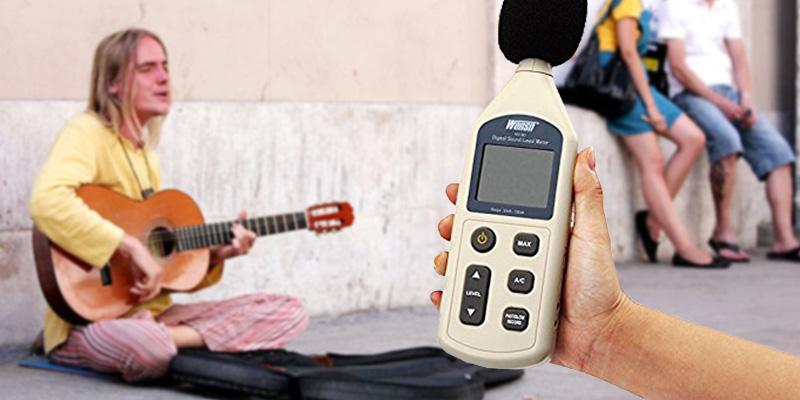 T Tocas SL1361 Digital Sound Level Meter in the use
