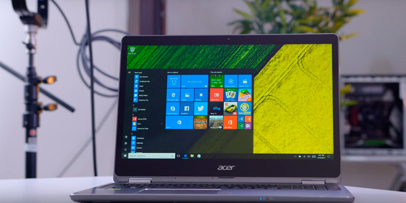 "Acer Aspire R15 Convertible 2-in-1 Laptop, 15.6"" Full HD Touch, 7th Gen Intel Core i7, GeForce 940MX, 12GB DDR4, 256GB SSD in the use"