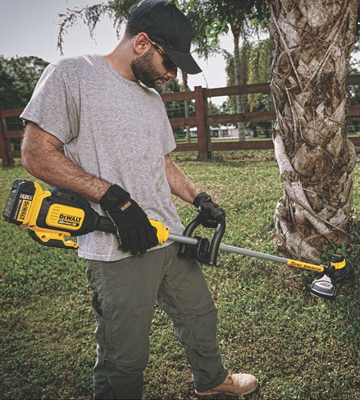Review of DEWALT DCST920P1 Ah Lithium Ion XR Brushless String Trimmer