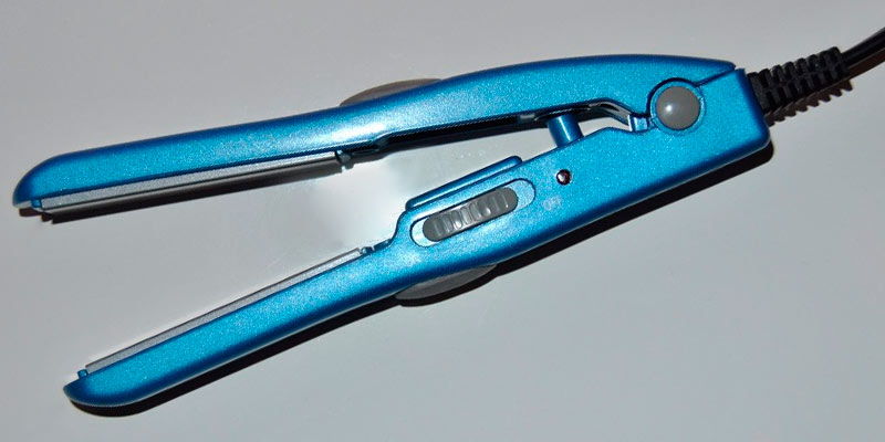 Review of Babyliss Pro BABNT3053 Nano Titanium Mini Straightening Iron