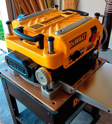 Review of DEWALT DW735X Two Speed Thickness Planer Package