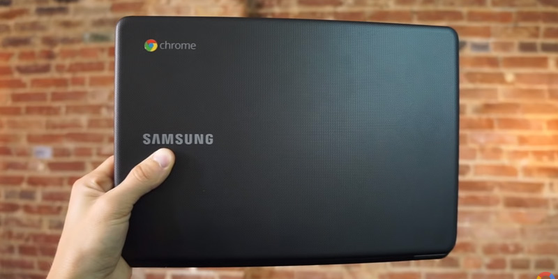 "Samsung 11.6"" Chromebook (Celeron N3060, 4GB RAM, 16GB eMMC) in the use"
